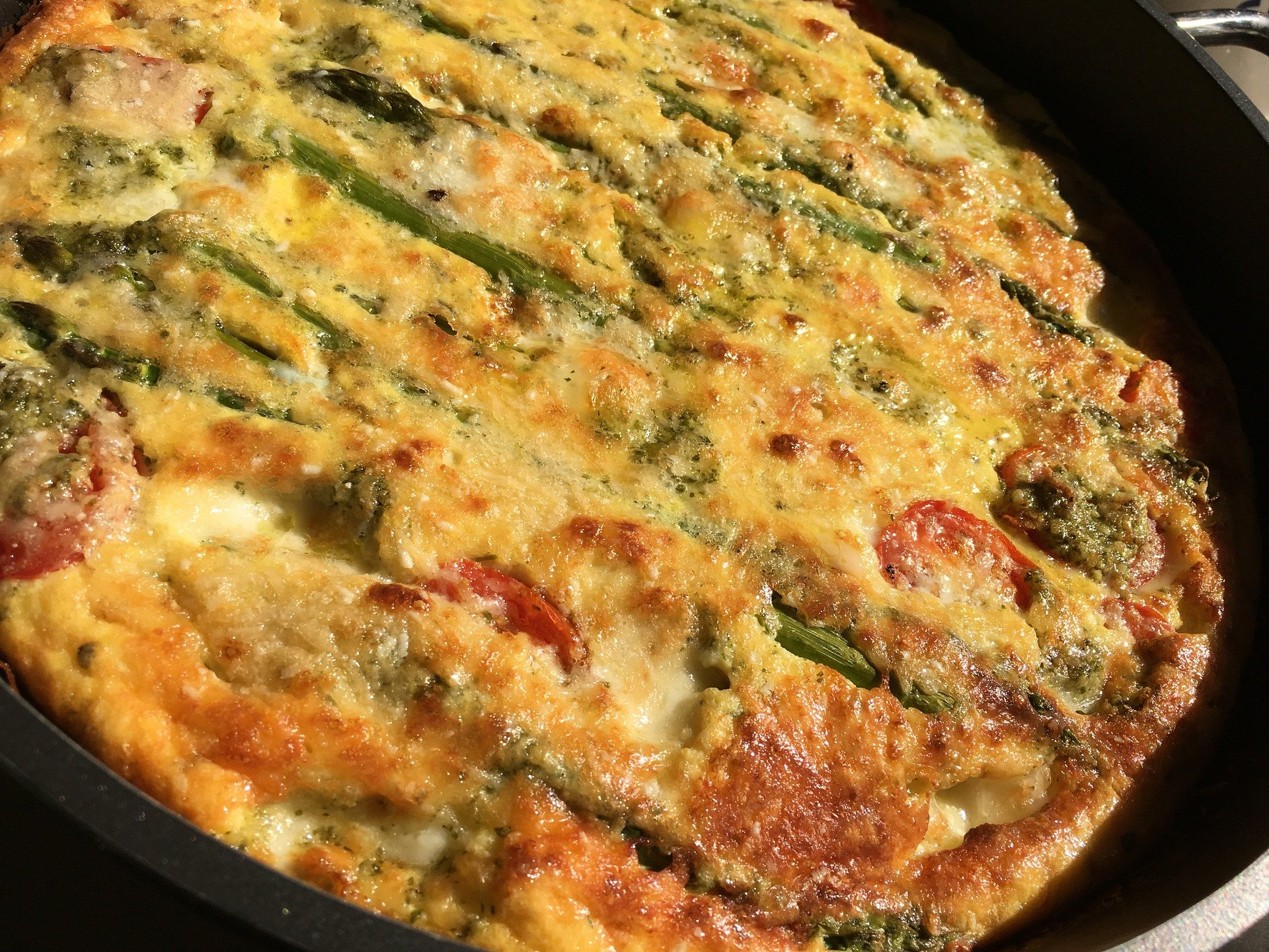 HAM AND ASPARAGUS EGG BAKE